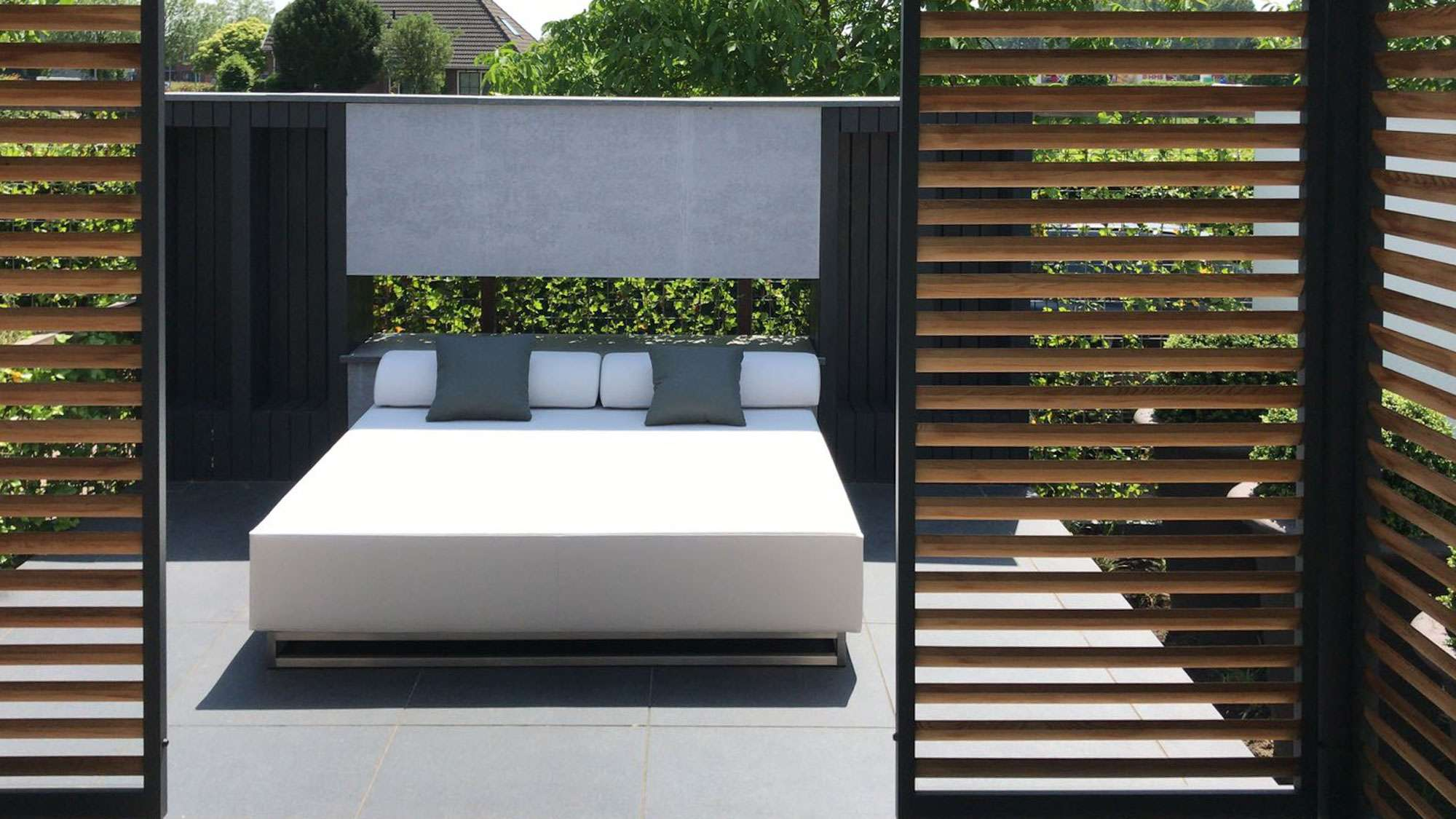 large outdoor daybed